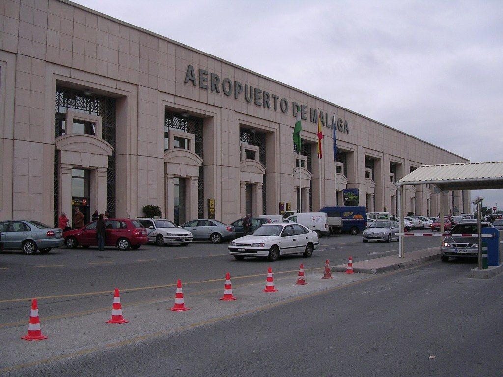 Ventajas de dejar tu coche en el parking del aeropuerto de Málaga